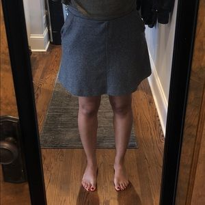 h&m | gray mini skirt with pockets.